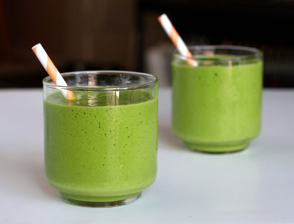 tropical-green-smoothie-3-31-2076303