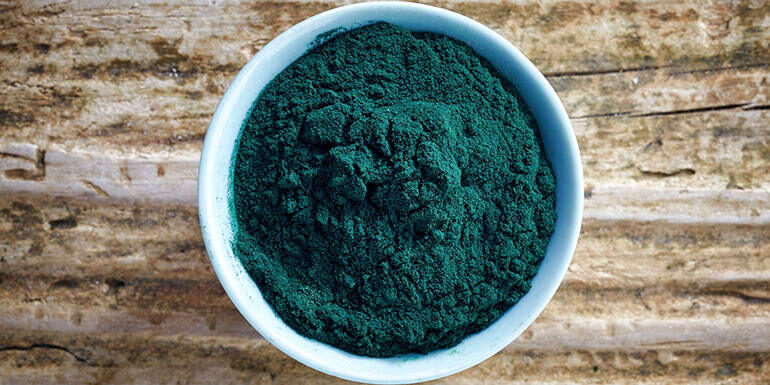 what-is-spirulina-and-how-do-i-eat-it-header-2235871