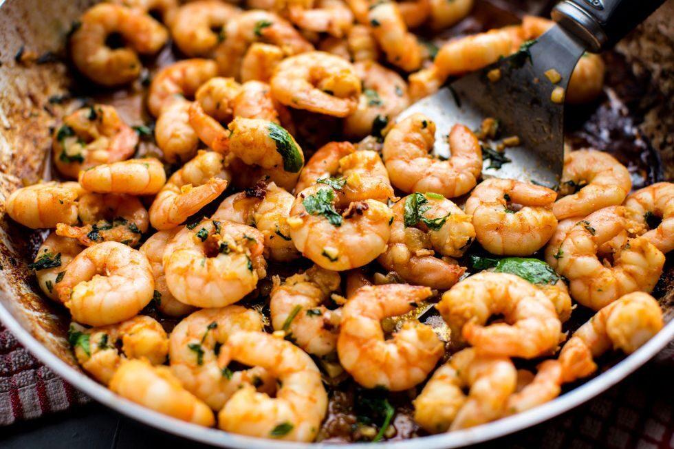 gallery-1496355937-skillet-garlic-cilantro-shrimp-8512475