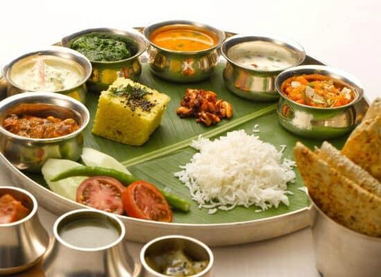 gujarati-thali-7829300